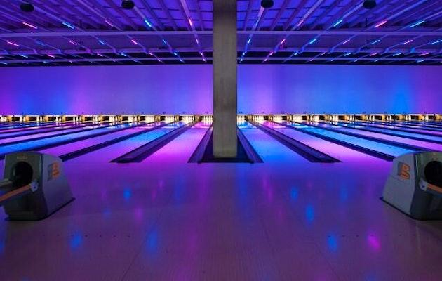 Bowling-Almere-4personen-bowlen-sate-of-spareribs-4