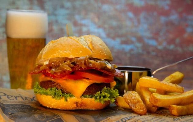 fletcher-hotels-burger
