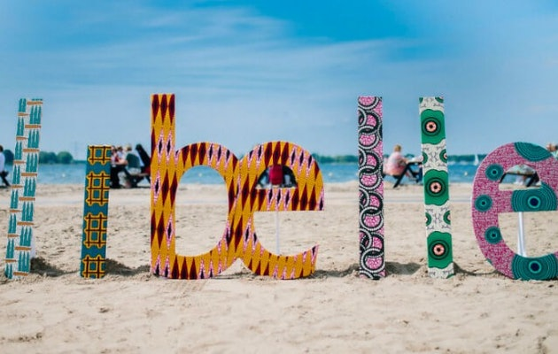libelle-zomerweek-letters-op-strand