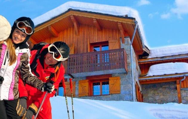 skichalet-gezin-sneeuw-chalet-skieen