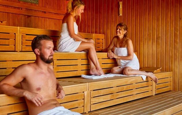 spaweesp-panorama-sauna-mensen1