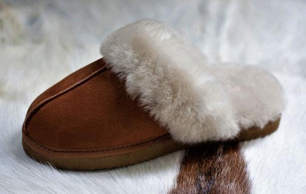 Walq-Wool-Fitted-Sloffen-vrouw-schuin